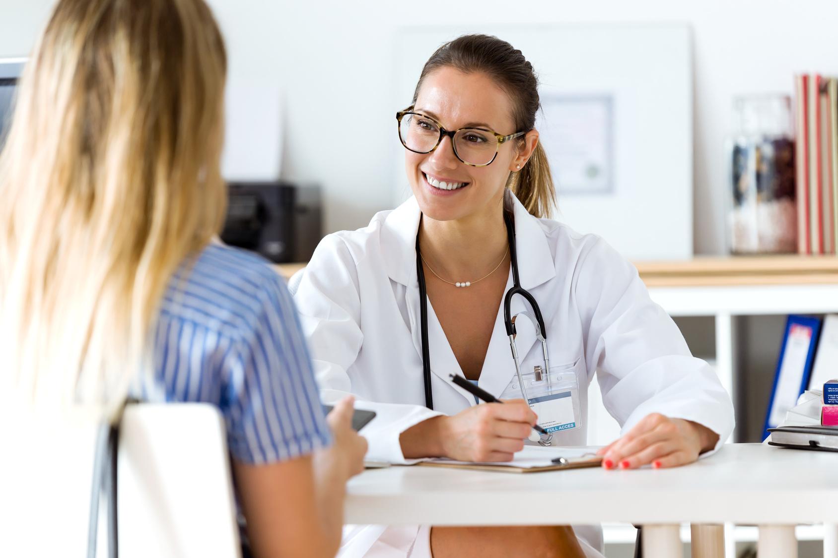 Tra tanti precari, quanto guadagna un medico di base? - La Voce di MBA