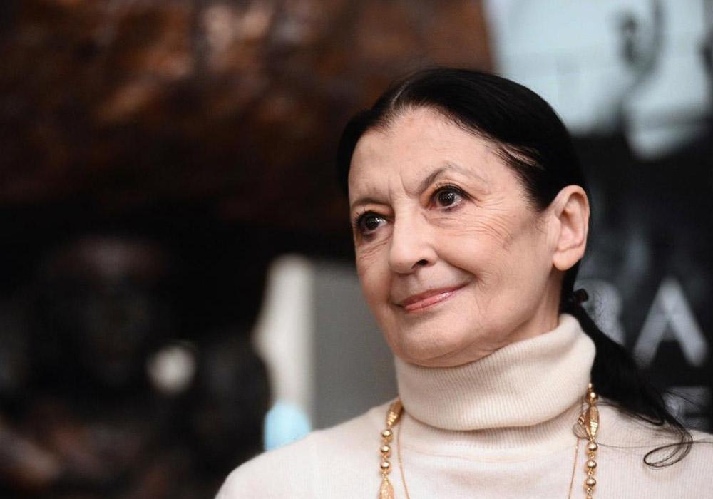 Continuerà a danzare in eterno. Addio a Carla Fracci, l'étoile italiana che ha portato la danza nel mondo