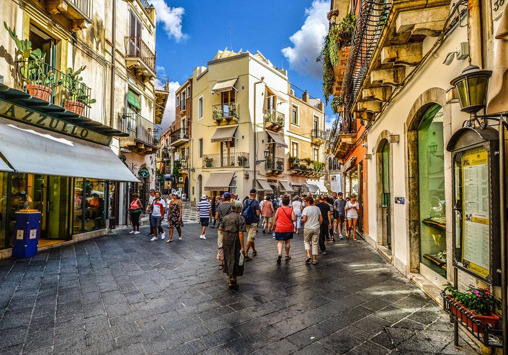Covid-19 e il ritorno delle regioni ai colori: la Sicilia in zona gialla