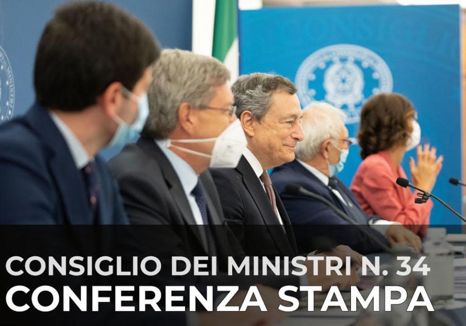 """Mario Draghi: """"Violenza No Vax odiosa e vigliacca"""". La conferenza stampa su Green Pass e nuove misure"""